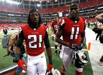 Hi-res-180648399-desmond-trufant-and-julio-jones-of-the-atlanta-falcons_display_image