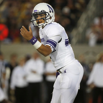 Hi-res-179600975-quarterback-kain-colter-of-the-northwestern-wildcats-in_display_image