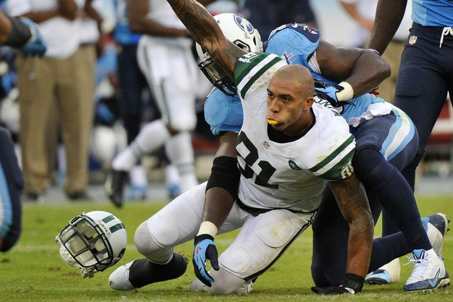 Hi-res-182406904-tight-end-kellen-winslow-of-the-new-york-jets-holds-up_crop_650