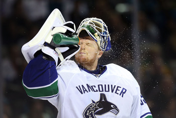 Hi-res-168288715-goaltender-cory-schneider-of-the-vancouver-canucks_display_image