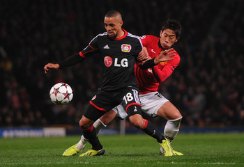 Hi-res-180902266-shinji-kagawa-of-manchester-united-competes-with-sidney_display_image