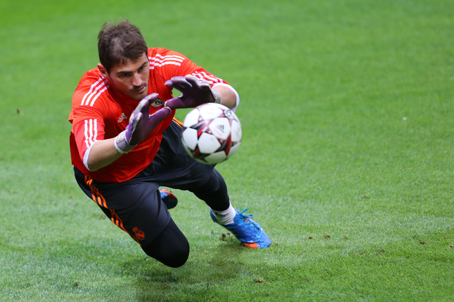 Hi-res-180777191-iker-casillas-of-real-madrid-attends-a-training-session_crop_650