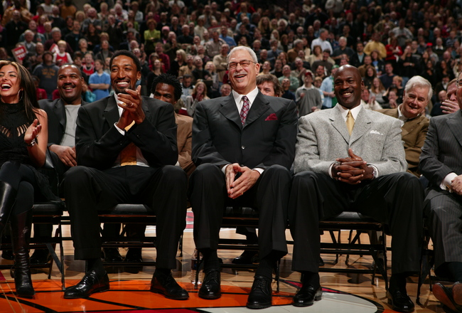 Hi-res-56409485-former-chicago-bull-scottie-pippen-phil-jackson-and_crop_650x440