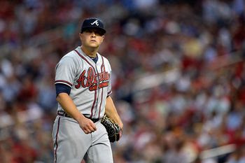 Hi-res-175756378-starting-pitcher-kris-medlen-of-the-atlanta-braves_display_image