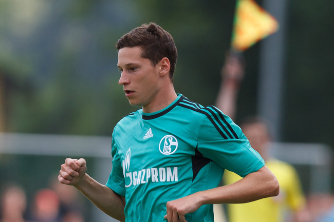 Hi-res-174345270-julian-draxler-of-schalke-in-action-during-the-pre_crop_650