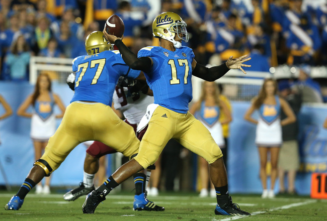 Hi-res-181507296-quarterback-brett-hundley-the-ucla-bruins-throws-a-pass_crop_650x440