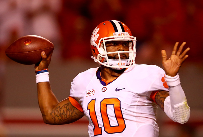 Hi-res-181196430-tajh-boyd-of-the-clemson-tigers-drops-back-to-pass_crop_650x440