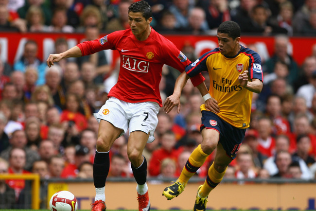 Hi-res-87402701-cristiano-ronaldo-of-manchester-united-holds-off-the_crop_650