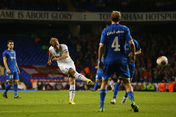 Hi-res-181179270-christian-eriksen-of-spurs-scores-their-third-goal_display_image