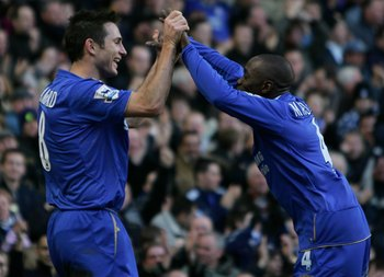 Hi-res-56935248-goal-scorer-frank-lampard-of-chelsea-celebrates-with_display_image