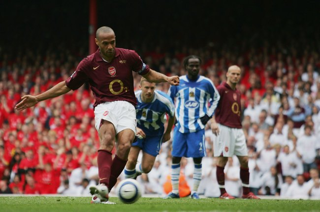 Hi-res-57550849-thierry-henry-of-arsenal-scores-his-teams-fourth-goal_crop_650