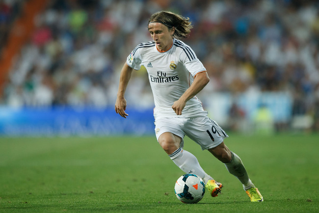 Hi-res-177089110-luka-modric-of-real-madrid-cf-controls-the-ball-during_crop_650