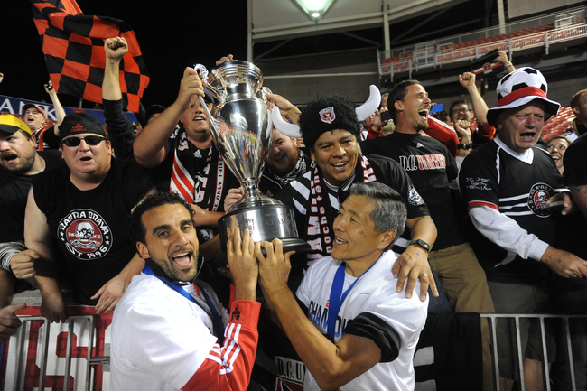 Hi-res-182618961-dwayne-de-rosario-of-d-c-united-and-will-chang-general_crop_650
