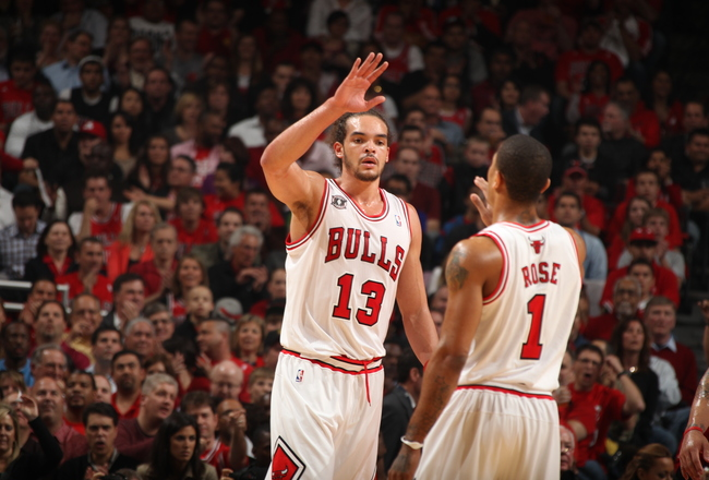 Hi-res-114377731-joakim-noah-and-derrick-rose-of-the-chicago-bulls-greet_crop_650x440