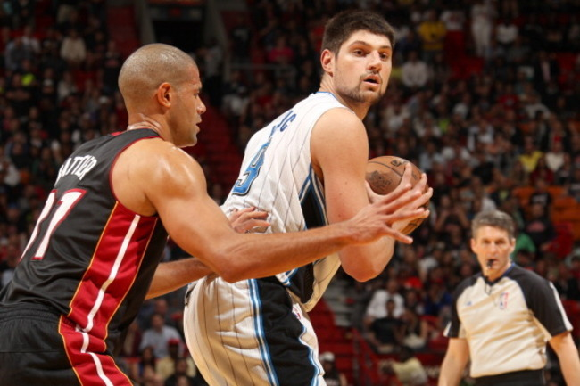 163281532-nikola-vucevic-of-the-orlando-magic-protects-the-ball_crop_650