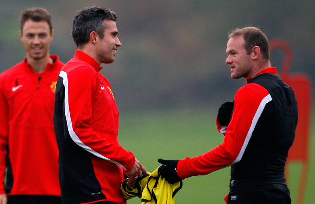 Hi-res-182580076-wayne-rooney-and-robin-van-persie-of-manchester-united_crop_650