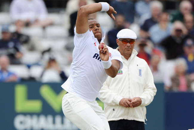 Hi-res-172137714-tymal-mills-of-essex-bowls-during-the-lv-challenge_crop_650