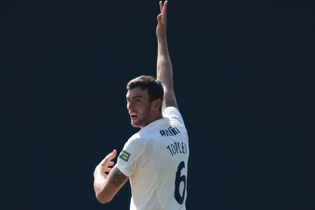 Hi-res-179554811-reece-topley-of-essex-appeals-for-the-wicket-of-shaaiq_crop_650