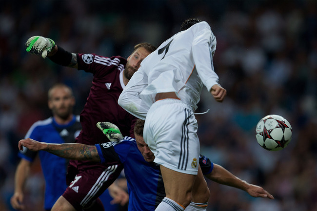 Hi-res-182932025-cristiano-ronaldo-of-real-madrid-cf-scores-the-opening_crop_650