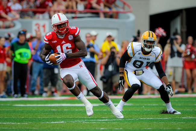 Hi-res-180325396-cornerback-stanley-jean-baptiste-of-the-nebraska_crop_650