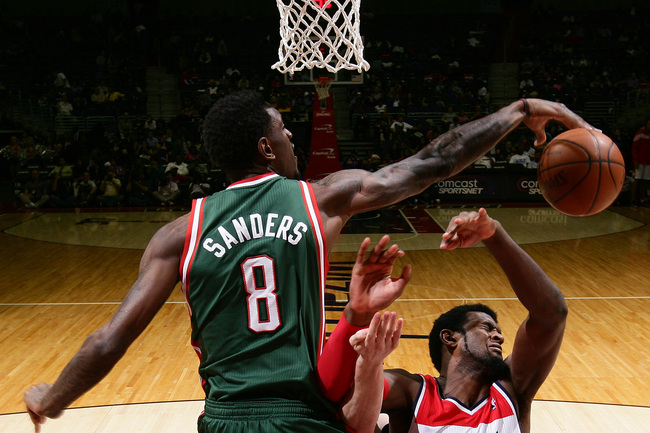 Hi-res-142375682-larry-sanders-of-the-milwaukee-bucks-blocks-a-shot-by_crop_650