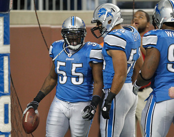 Hi-res-135502729-stephen-tulloch-of-the-detroit-lions-celebrates-a-first_display_image