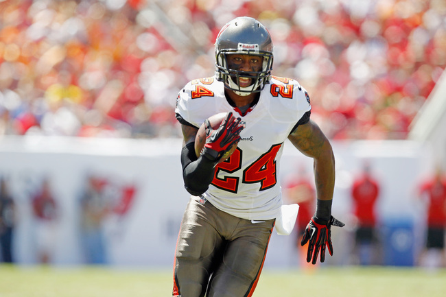 Hi-res-182943529-darrelle-revis-of-the-tampa-bay-buccaneers-runs-with_crop_650