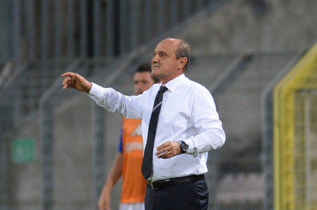 Hi-res-181446568-head-coach-of-uc-sampdoria-delio-rossi-gestures-during_crop_650