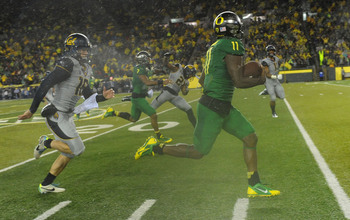 Hi-res-182282687-wide-receiver-bralon-addison-of-the-oregon-ducks_display_image