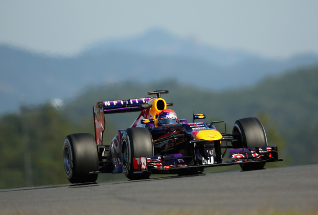 Hi-res-183074219-sebastian-vettel-of-germany-and-infiniti-red-bull_crop_650x440