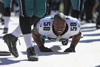 Hi-res-182351290-trent-cole-of-the-philadelphia-eagles-does-push-ups_display_image