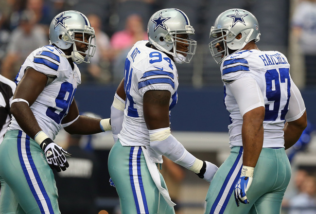 Hi-res-181566988-demarcus-ware-of-the-dallas-cowboys-celebrates-a-sack_crop_650