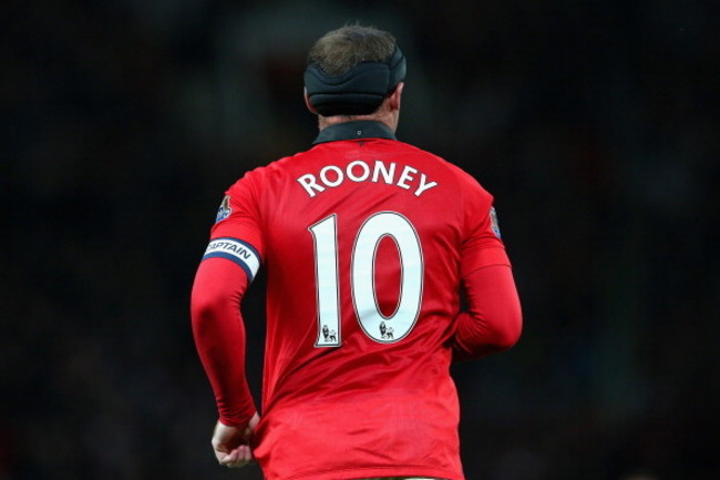 181801429-wayne-rooney-of-manchester-united-in-action-during-the_crop_650