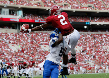 Hi-res-183161435-deandrew-white-of-the-alabama-crimson-tide-pulls-in_display_image