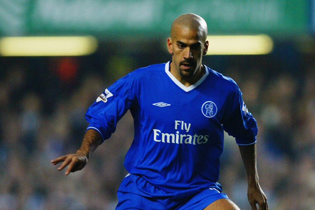 Hi-res-2720593-juan-sebastian-veron-of-chelsea-makes-a-break-forward_crop_650