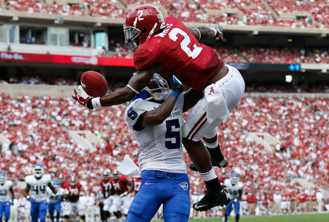 Hi-res-183163253-deandrew-white-of-the-alabama-crimson-tide-pulls-in_crop_650x440