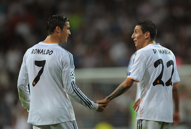 Hi-res-182938225-angel-di-maria-of-real-madrid-cf-celebrates-with-team_crop_650x440