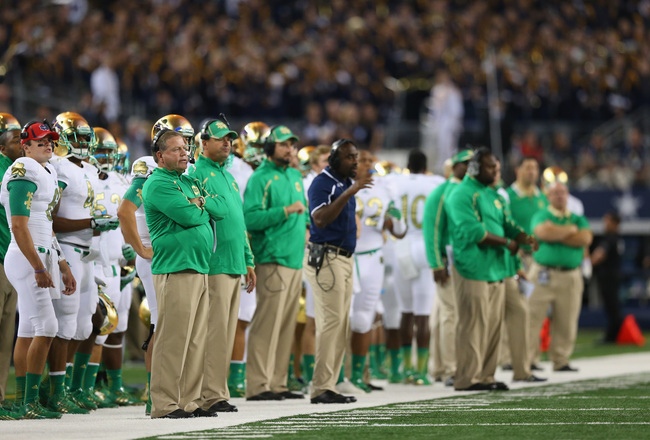 Hi-res-183192099-head-coach-brian-kelly-of-the-notre-dame-fighting-irish_crop_650x440