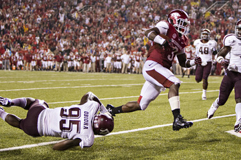 Julien Obioha attempts to make a tackle against Arkansas.