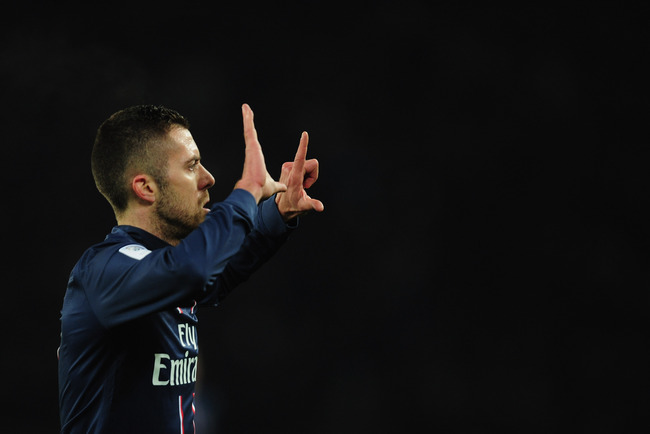 Hi-res-160986511-jeremy-menez-of-paris-saint-germain-celebrates-his-goal_crop_650