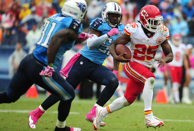 Hi-res-183459765-jamaal-charles-of-the-kansas-city-chiefs-carries-the_crop_650x440