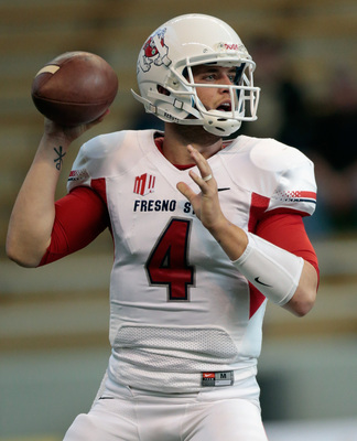 Hi-res-183192740-derek-carr-of-the-fresno-state-bulldogs-looks-to-pass_display_image