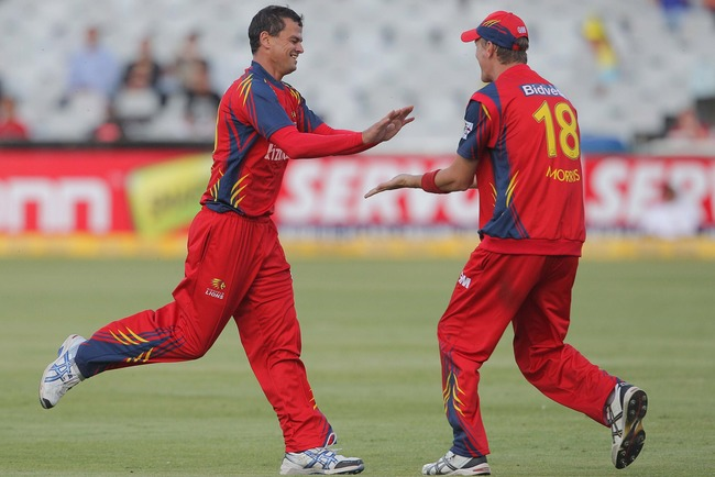 Hi-res-154249942-zander-de-bruyn-and-chris-morris-of-the-highveld-lions_crop_650