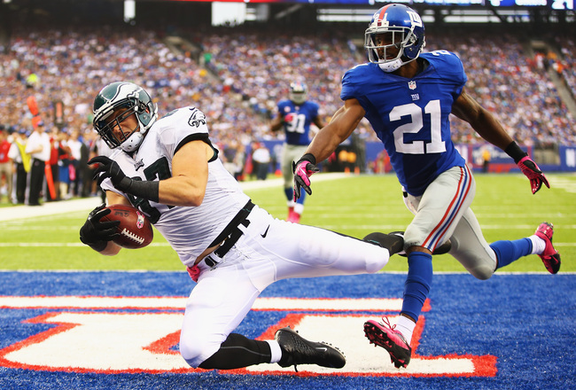 Hi-res-183452326-brent-celek-of-the-philadelphia-eagles-catches-the-go_crop_650x440