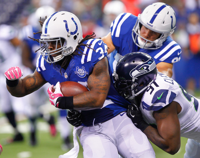 Hi-res-183447566-trent-richardson-of-the-indianapolis-colts-runs-the_crop_650