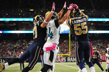 Hi-res-183457432-james-laurinaitis-of-the-st-louis-rams-intercepts-a_display_image