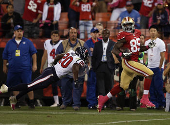 Hi-res-183485193-tight-end-vernon-davis-of-the-san-francisco-49ers-runs_display_image