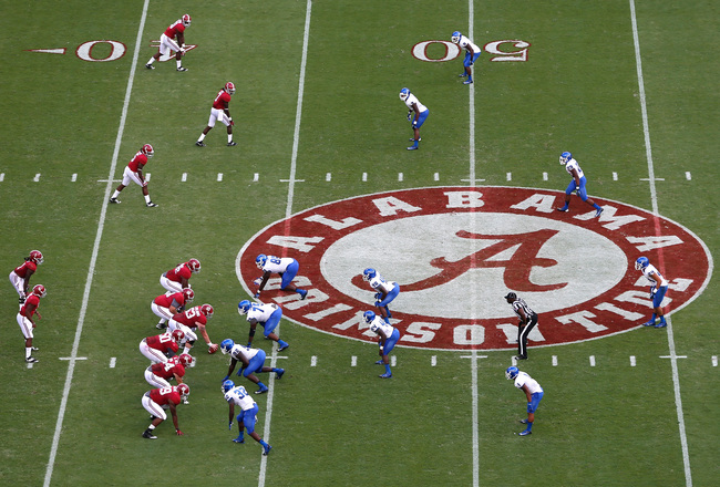 Hi-res-183169773-blake-sims-of-the-alabama-crimson-tide-runs-the-offense_crop_650x440