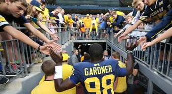 Hi-res-183179098-quarterback-devin-gardner-of-the-michigan-wolverines_display_image