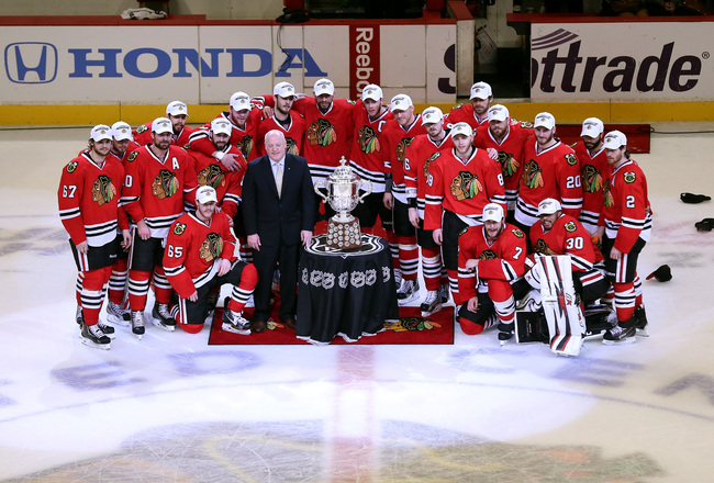 Hi-res-170211664-the-chicago-blackhawks-pose-for-a-team-photo-with-the_crop_650x440